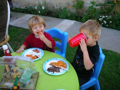 Backyard_scenes_july_2005_68_1